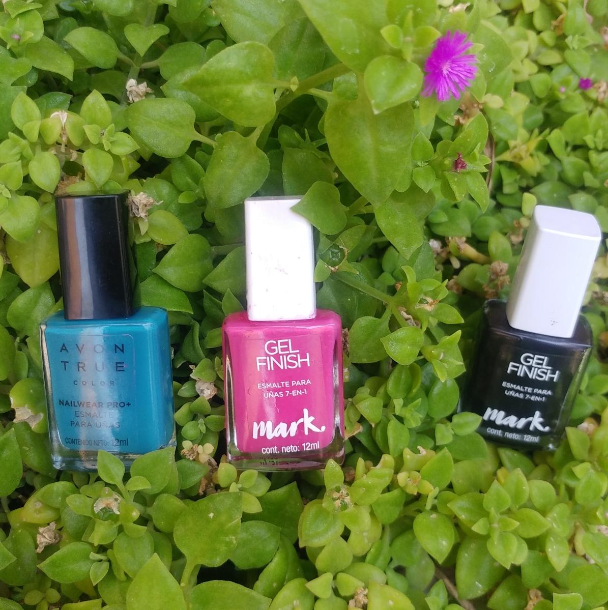 Vistoso Uñas De Color Rosa Con La Imagen De Proa Molde - Ideas Para ...